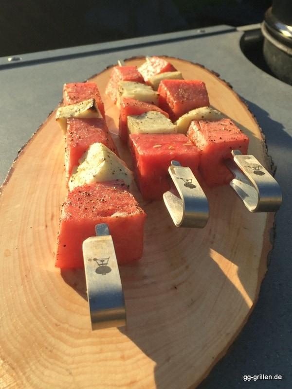 Wassermelone-Käse-Spieße Serviervorschlag